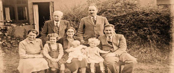Altes Familienfoto. Familienaufstellungen